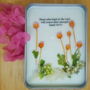 Evergreen garden pocket flower bouquet
